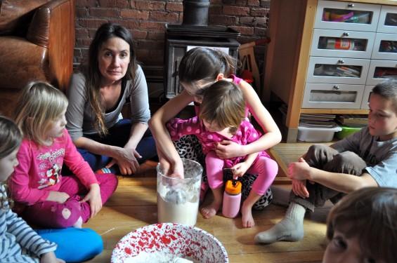 sisters make cake flour